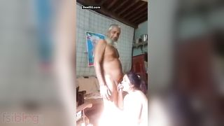 Desi old dude fucking her wife at home on cam