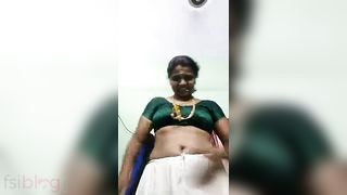 Large boobs Bengali aunty homemade porn movie scene