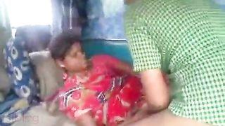 Dehati floozy screwed inside a truck by a truck driver