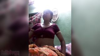 Telugu housewife nude MMS video for striptease paramours