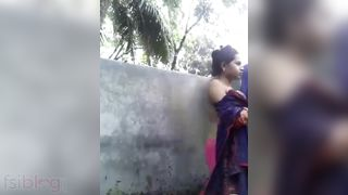 Dehati hotty bathing in nature's garb selfie Dehati hot video