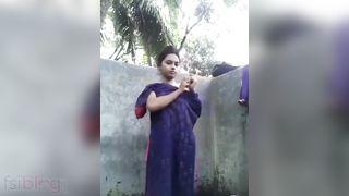 Dehati hotty bathing in nature's garb selfie Dehati hot video