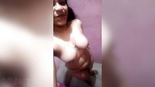 Slinky Indian girl Nehas nude selfie episode show