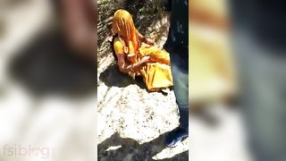 Desi paramours caught fucking outdoors by strangers