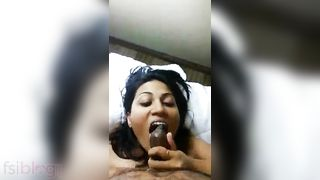 Desi call girl eating schlong of her client in hotel room
