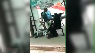 Public Bus stand tugjob sex of Muslim aunty to stranger