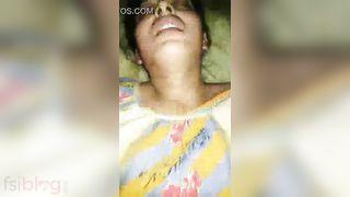 Desi Muslim wife groaning in sex joy by hubbys ally