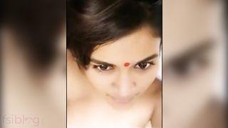 Hot looking cute Desi angel makes an MMS selfie episode with fella