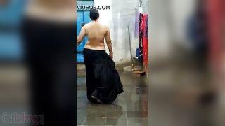 Desi Punjabi Bhabhi rain bathroom MMS sex movie scene