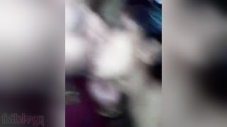 Sexy recent MMS sex episode of a Desi pair buzzing around
