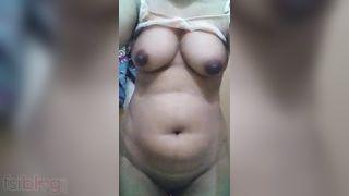 Large boob Punjabi girl naked selfie episode for bf