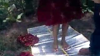 Punjabi sex movie of a big breasts house wife enjoying an outdoor sex