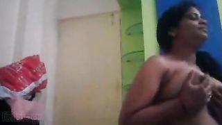 Saree sex movie scene of mature boss and servant in the kitchen