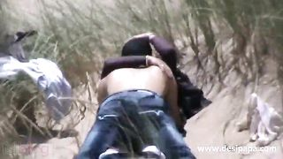 Real sex mms of an Indian pair doing sex outdoor