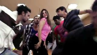 Sunny leone xvideo with an Indian actor at movie shooting