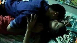 Telugu sex video of a youthful pair having sex for the 1st time in his abode