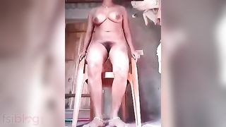 Masturbation video of a desi bitch during the time that on a movie scene call with bf