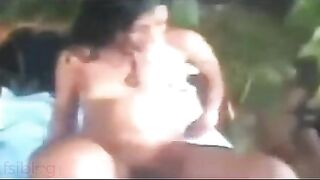South Indian sex vids of Mallu bhabhi Jyothi outdoors