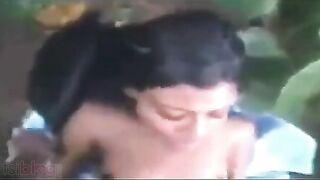 South Indian sex vids of Mallu bhabhi Jyothi outdoors