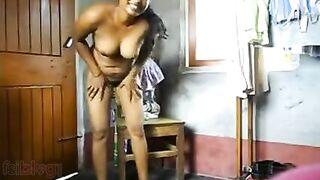 Bengali sex video blue film of older desi aunty Rani