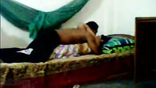 Desi mms Indian porn videos of desi aunty Sonali with neigbor