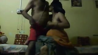 XXX Indian sex clip of big boobs desi aunty Sneha in saree