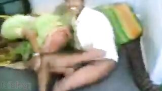 Free Indian xxx Tamil sex movies of hawt wife Jyotsana with hubby
