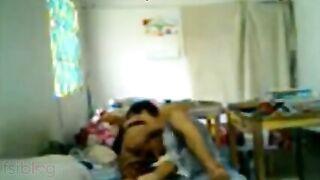 Hindi sex Indian porn episode of mature desi aunty Ragini!