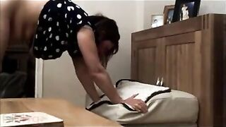 Indian xxx Hindi sex episode of mature Mainika aunty with college chap