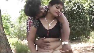 Indian xxx blue film of Neeta bhabhi getting enticed outdoors