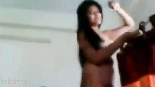 Homemade Indian xxx Tamil sex movie of college cutie Nalini