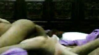 Indian xxx bhabhi ki chudai blue film trickled online by devar