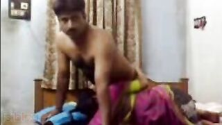 Desi sex clip of married Indian aunty in saree with young guy