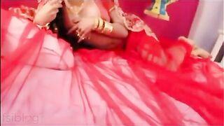 Indian bhabhi uncensored sex scene in Bollywood movie scene leaked!
