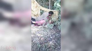 Desi sex movie of village prostitute fucking outdoor with client