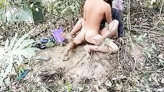 Outdoor Indian xxx desi chudai video of Assam beauty oozed