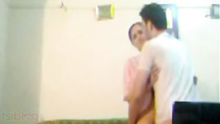Pakistani aged Muslim wife doggy style home sex with lover