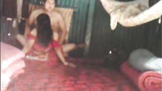 Hidden web camera mms sex scandal of busty village bhabhi