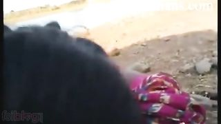 Indian MMS of desi village girl outdoor sex with bf