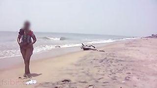 Desi sex of Indian bhabi showing milk sacks on sea beach