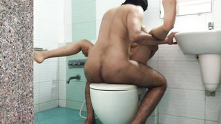 XXX MMS leaked video! Indian couple homemade sex fucking while in shower