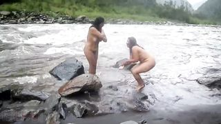 Two indian autty bathing in river naked! MMs leaked video