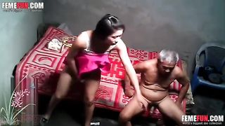 Hot Indian sex video of daughter jerking father big dick