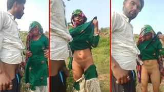 Rajasthani aunty in saree outdoor sex XXX MMS video