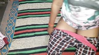 Guy captures Desi wife who shows body XXX parts to hubby and viewers